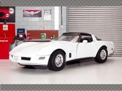 CHEVROLET CORVETTE 1982 ~ WHITE | 1:18 Diecast Model Car
