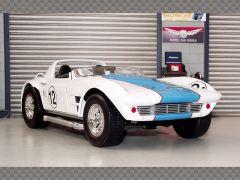 CHEVROLET CORVETTE ROADSTER 1964 | 1:18 Diecast Model Car