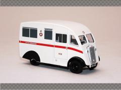 COMMER Q25 AMBULANCE   1:76 Diecast Model Car