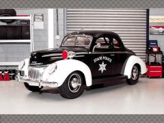 FORD DELUXE POLICE 1939 | 1:18 Diecast Model Car