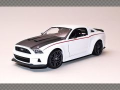 FORD MUSTANG GT ~ 2014 ~ WHITE | 1:24 Diecast Model Car