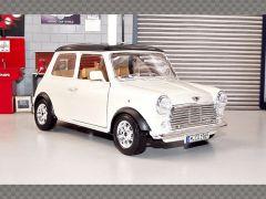 MINI COOPER 1969 ~ WHITE | 1:18 Diecast Model Car