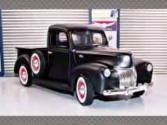 FORD PICKUP ~ 1940 | 1:18 Diecast Model Car