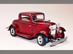 FORD COUPE ~ 1932 | 1:24 Diecast Model Car