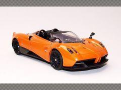 PAGANI HUYARA ROADSTER | 1:24 Diecast Model Car