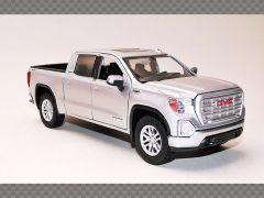GMC SIERRA 1500 SLT CREW CAB -2019 ~ SILVER | 1:24 Diecast Model Car