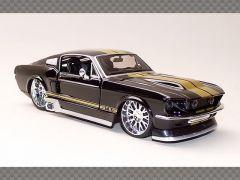 FORD MUSTANG CUSTOM ~ 1967 | 1:24 Diecast Model Car