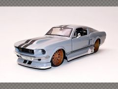 FORD MUSTANG GT ~ 1967 | 1:24 Diecast Model Car