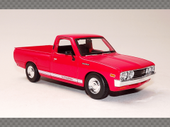 DATSUN 620 PICK UP ~ 1973 | 1:24 Diecast Model Car