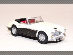 AUSTIN HEALEY 3000 ~ WHITE | 1:76 Diecast Model Car
