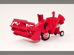 COMBINE HARVESTER   1:76 Diecast Model Farm Machinery