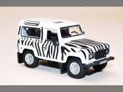 LAND ROVER DEFENDER 90 SAFARI | 1:76 Diecast Model Car