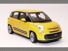 FIAT 500L ~ 2013 | 1:24 Diecast Model Car