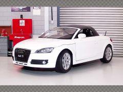 AUDI TT ROADSTER | 1:18 Diecast Model Car