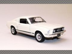 FORD MUSTANG GT FASTBACK | 1:24 Diecast Model Car