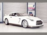 NISSAN GT-R 2009 R35 - WHITE | 1:18 Diecast Model Car